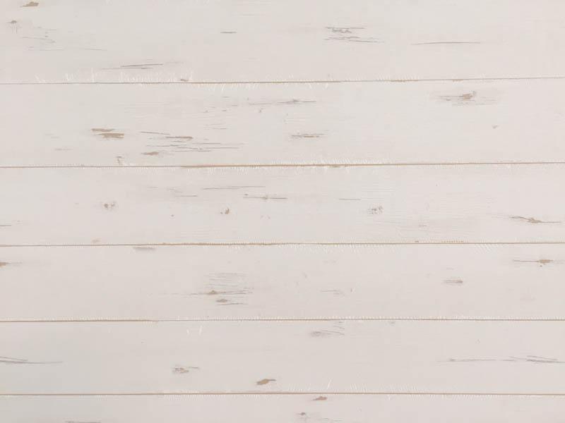 西海岸風ホワイトウッドのシャービックな壁紙(ロンハーマン、ダブルティー風)、しかも横貼りがいいね
